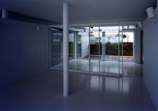 白い家06